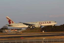 MA~RUさんが、成田国際空港で撮影したカタール航空 777-2DZ/LRの航空フォト(飛行機 写真・画像)