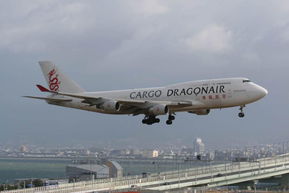 プルシアンブルーさんの香港ドラゴン航空 Boeing 747-400 (B-KAE) 航空フォト