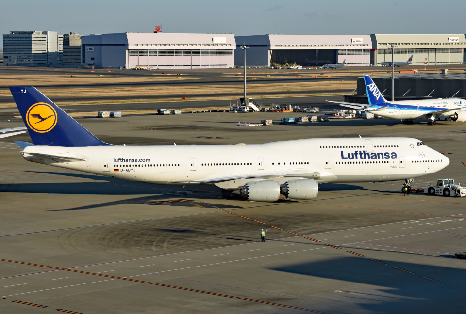 tsubasa0624さんのルフトハンザドイツ航空 Boeing 747-8 (D-ABYJ) 航空フォト