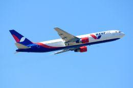 まいけるさんが、スワンナプーム国際空港で撮影したアズール・エア 767-3Y0/ERの航空フォト(飛行機 写真・画像)