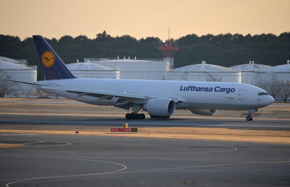 ルフトハンザ・カーゴ Boeing 777-200 D-ALFD 成田国際空港  航空フォト   by IL-18さん