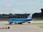空飛ぶぽん吉☆さんが、アムステルダム・スキポール国際空港で撮影したKLMオランダ航空 747-406の航空フォト(写真)