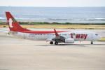 kumagorouさんが、那覇空港で撮影したティーウェイ航空 737-8ASの航空フォト(飛行機 写真・画像)