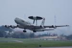 yabyanさんが、嘉手納飛行場で撮影したアメリカ空軍 E-3B Sentry (707-300)の航空フォト(飛行機 写真・画像)
