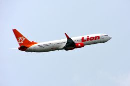 まいけるさんが、デンパサール国際空港で撮影したライオン・エア 737-9GP/ERの航空フォト(飛行機 写真・画像)