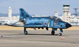 青い翼に鎧武者マークの!さんが、名古屋飛行場で撮影した航空自衛隊 RF-4E Phantom IIの航空フォト(飛行機 写真・画像)