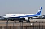 JAA DC-8さんが、伊丹空港で撮影した全日空 777-281/ERの航空フォト(飛行機 写真・画像)