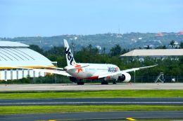 まいけるさんが、デンパサール国際空港で撮影したジェットスター 787-8 Dreamlinerの航空フォト(飛行機 写真・画像)