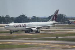 職業旅人さんが、クアラルンプール国際空港で撮影したカタール航空 A330-202の航空フォト(飛行機 写真・画像)