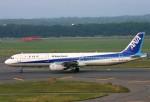 にしやんさんが、新千歳空港で撮影した全日空 A321-131の航空フォト(写真)