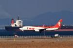 T.Sazenさんが、関西国際空港で撮影したティーウェイ航空 737-8ASの航空フォト(飛行機 写真・画像)