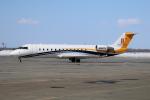 北の熊さんが、新千歳空港で撮影したWilmington Trust Co Trustee CL-600-2B19 Challenger 800の航空フォト(写真)