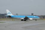 yabyanさんが、アムステルダム・スキポール国際空港で撮影したKLMオランダ航空 A330-203の航空フォト(飛行機 写真・画像)
