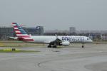 yabyanさんが、アムステルダム・スキポール国際空港で撮影したアメリカン航空 757-223の航空フォト(飛行機 写真・画像)