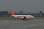 yabyanさんが、アムステルダム・スキポール国際空港で撮影したイージージェット・スイス A319-111の航空フォト(飛行機 写真・画像)