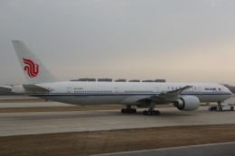 JA8037さんが、北京首都国際空港で撮影した中国国際航空 777-39L/ERの航空フォト(飛行機 写真・画像)