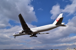 ER_b777logさんが、伊丹空港で撮影した日本航空 777-346の航空フォト(飛行機 写真・画像)