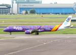voyagerさんが、アムステルダム・スキポール国際空港で撮影したフライビー ERJ-190-200 LR (ERJ-195LR)の航空フォト(飛行機 写真・画像)