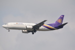 LEGACY-747さんが、スワンナプーム国際空港で撮影したタイ国際航空 737-4D7の航空フォト(飛行機 写真・画像)