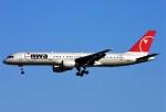 にしやんさんが、成田国際空港で撮影したノースウエスト航空 757-251の航空フォト(写真)