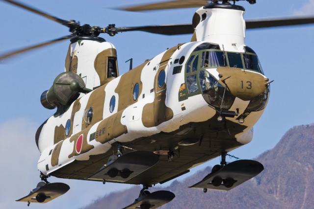 陸上自衛隊 Kawasaki CH-47J Chinook 52913 相馬原駐屯地  航空フォト | by KJさん