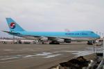 北の熊さんが、新千歳空港で撮影した大韓航空 747-4B5F/SCDの航空フォト(写真)