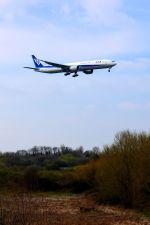 まいけるさんが、ロンドン・ヒースロー空港で撮影した全日空 777-381/ERの航空フォト(写真)