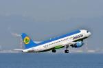 えるあ~るさんが、中部国際空港で撮影したウズベキスタン航空 A320-214の航空フォト(写真)