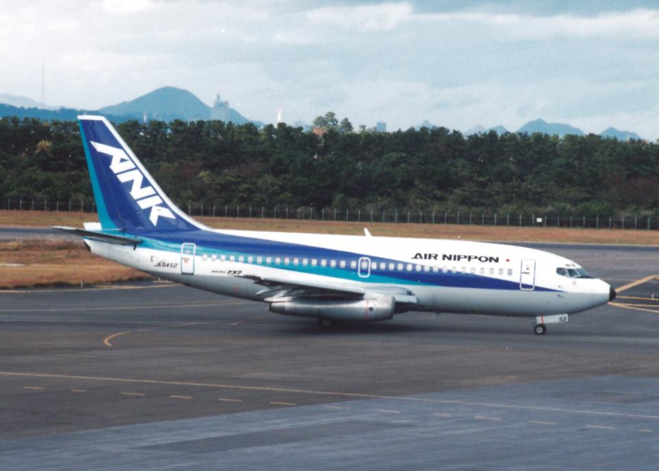 プルシアンブルーさんのエアーニッポン Boeing 737-200 (JA8452) 航空フォト