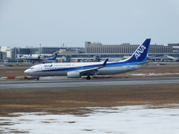 いおんさんが、新千歳空港で撮影した全日空 737-881の航空フォト(飛行機 写真・画像)