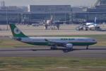 yabyanさんが、羽田空港で撮影したエバー航空 A330-203の航空フォト(飛行機 写真・画像)