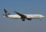 じーく。さんが、成田国際空港で撮影したユナイテッド航空 777-222/ERの航空フォト(飛行機 写真・画像)