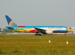 フリューゲルさんが、成田国際空港で撮影したコンチネンタル航空 777-224/ERの航空フォト(写真)