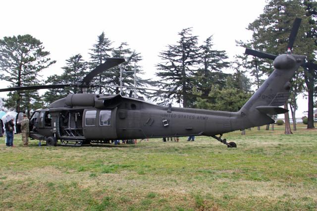 りんたろうさんが、キャンプ座間で撮影したアメリカ陸軍 UH-60L Black Hawk (S-70A)の航空フォト(飛行機 写真・画像)