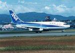 JAA DC-8さんが、伊丹空港で撮影した全日空 737-281/Advの航空フォト(写真)