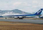 Izumixさんが、伊丹空港で撮影した全日空 747SR-81の航空フォト(写真)