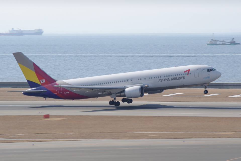 yabyanさんのアシアナ航空 Boeing 767-300 (HL7514) 航空フォト