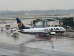 izusyotouさんが、ミラノ・マルペンサ空港で撮影したライアンエア 737-800の航空フォト(写真)