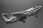 チャーリーマイクさんが、岩国空港で撮影したアメリカ海軍 A-7E Corsair IIの航空フォト(写真)