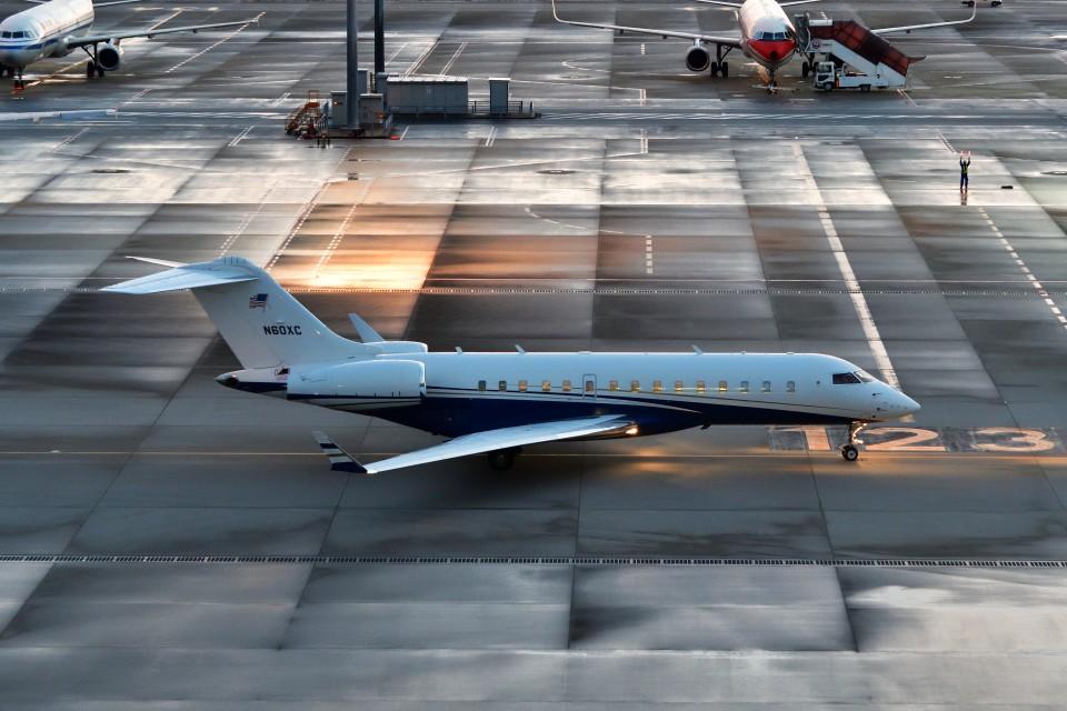 T.Sazenさんの不詳 Bombardier BD-700 Global Express/5000/6000 (N60XC) 航空フォト