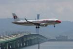 uhfxさんが、関西国際空港で撮影した中国東方航空 A320-214の航空フォト(飛行機 写真・画像)