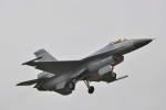 minfengさんが、台中空港で撮影した中華民国空軍 F-16A Fighting Falconの航空フォト(写真)