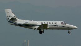 cathay451さんが、関西国際空港で撮影した日本個人所有 550B Citation Bravoの航空フォト(飛行機 写真・画像)