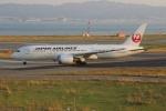 uhfxさんが、関西国際空港で撮影した日本航空 787-8 Dreamlinerの航空フォト(写真)