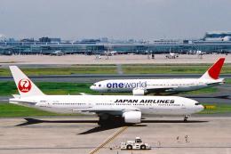 菊池 正人さんが、羽田空港で撮影した日本航空 777-246の航空フォト(飛行機 写真・画像)