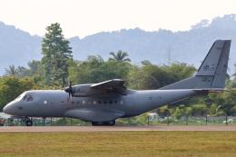 takaRJNSさんが、ランカウイ国際空港で撮影したマレーシア空軍 CN-235-220の航空フォト(写真)