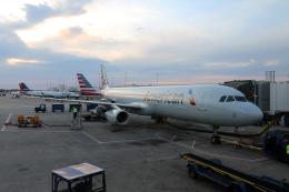 Kinyaさんが、シャーロット ダグラス国際空港で撮影したアメリカン航空 A321-231の航空フォト(飛行機 写真・画像)