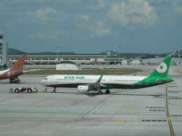 kakuteikiyosumiさんが、クアラルンプール国際空港で撮影したエバー航空 A321-211の航空フォト(飛行機 写真・画像)