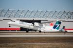 KAZ_YYZさんが、モントリオール・ピエール・エリオット・トルドー国際空港で撮影したウェストジェット・アンコール DHC-8-402Q Dash 8の航空フォト(写真)