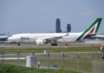 mojioさんが、成田国際空港で撮影したアリタリア航空 A330-202の航空フォト(飛行機 写真・画像)